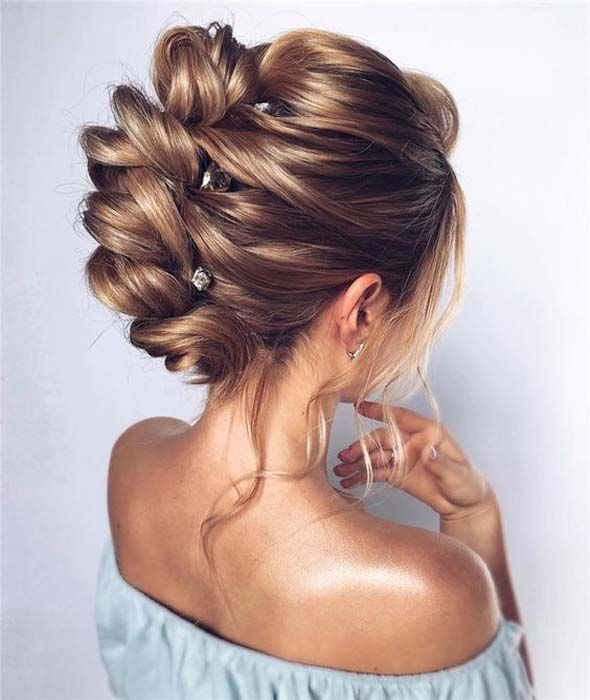40 Elegant and pretty bun hairstyle for long hair 2019