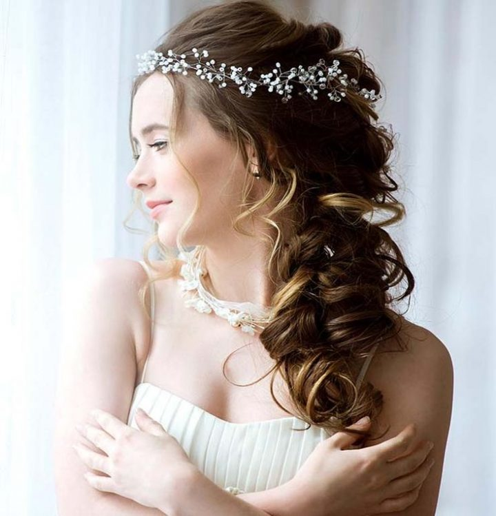 Bridal hairstyles that you can also try