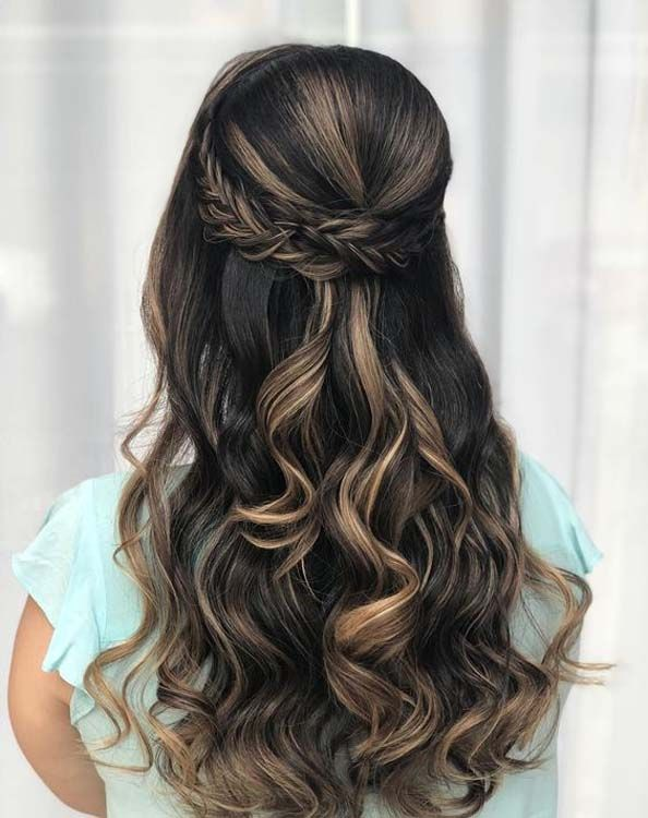 Hairstyles for long hair are very popular at this time.