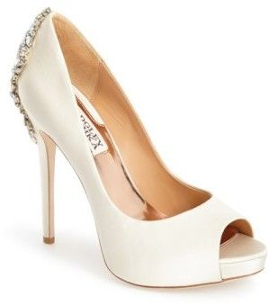 Open-ended pump with glass back & # 39; Kiara & # 39; by Badgley Mischka