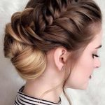 The best hairstyle for girls in the spring of 2018-19