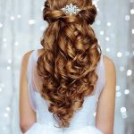A perfect hairstyle for the most beautiful day of your life is all you need