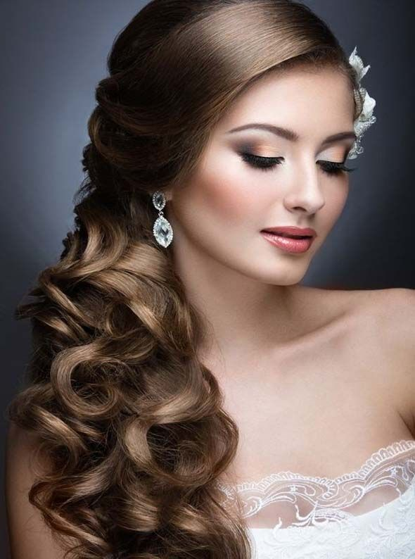 Incredible long wedding hairstyles to look spectacular