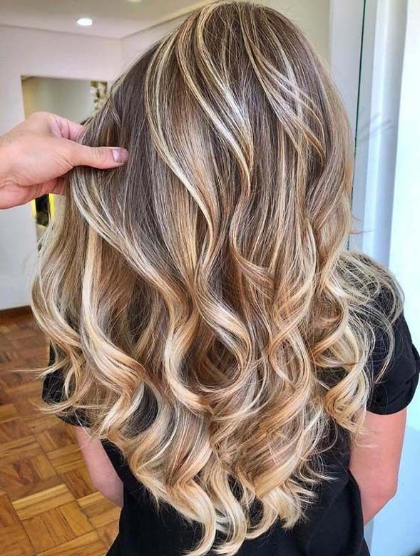 The best golden hairstyles of all time and ideas of hair dye for bold and fashionable ladies