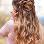 We have chosen only the most modern and elegant hairstyles to make you look elegant.