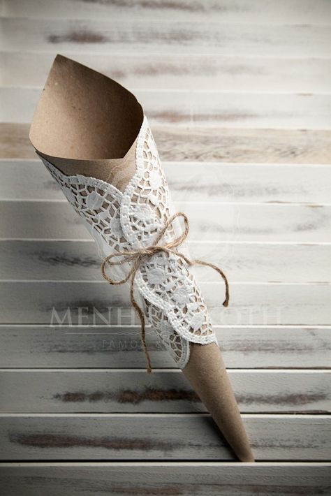 DIY PAPER CRAFT IDEA / ECO PAPER CONES WITH LARGE PAPER LACE DOILIES