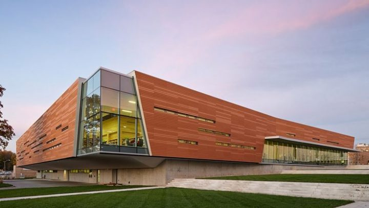 Exterior facade – Lawrence Public Library – Architecture 2030 – Gould Evans