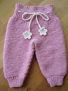Knitting pants from below | Knitting Patterns