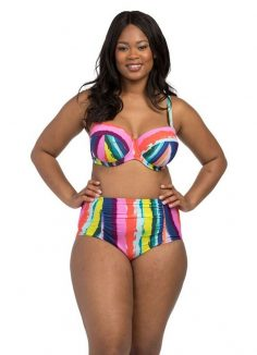 8 adorable and supportive swimsuits for women with D + cups