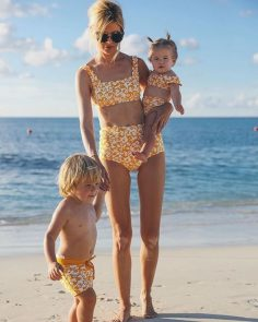 9 ideas to combine with the swimsuit of mom and daughter