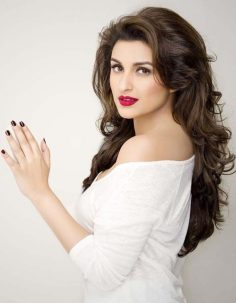 Beautiful Parineeti Chopra Hairstyle