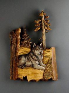 Christmas gift of carved wolf wood in Bois du Tille | WoodWorking