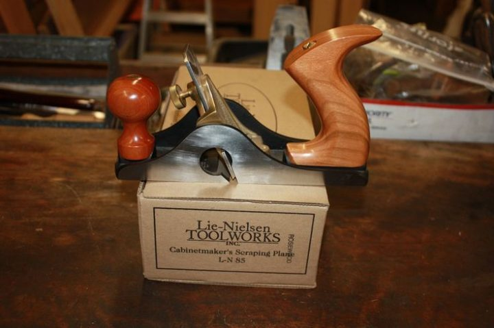 Lie Nielsen No 85 scraping plane with box | WoodWorking
